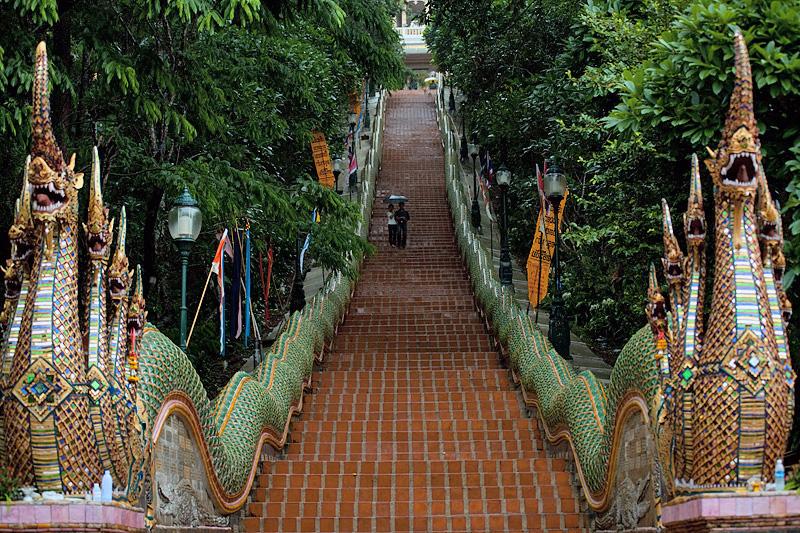 лестница к дой сутхеп