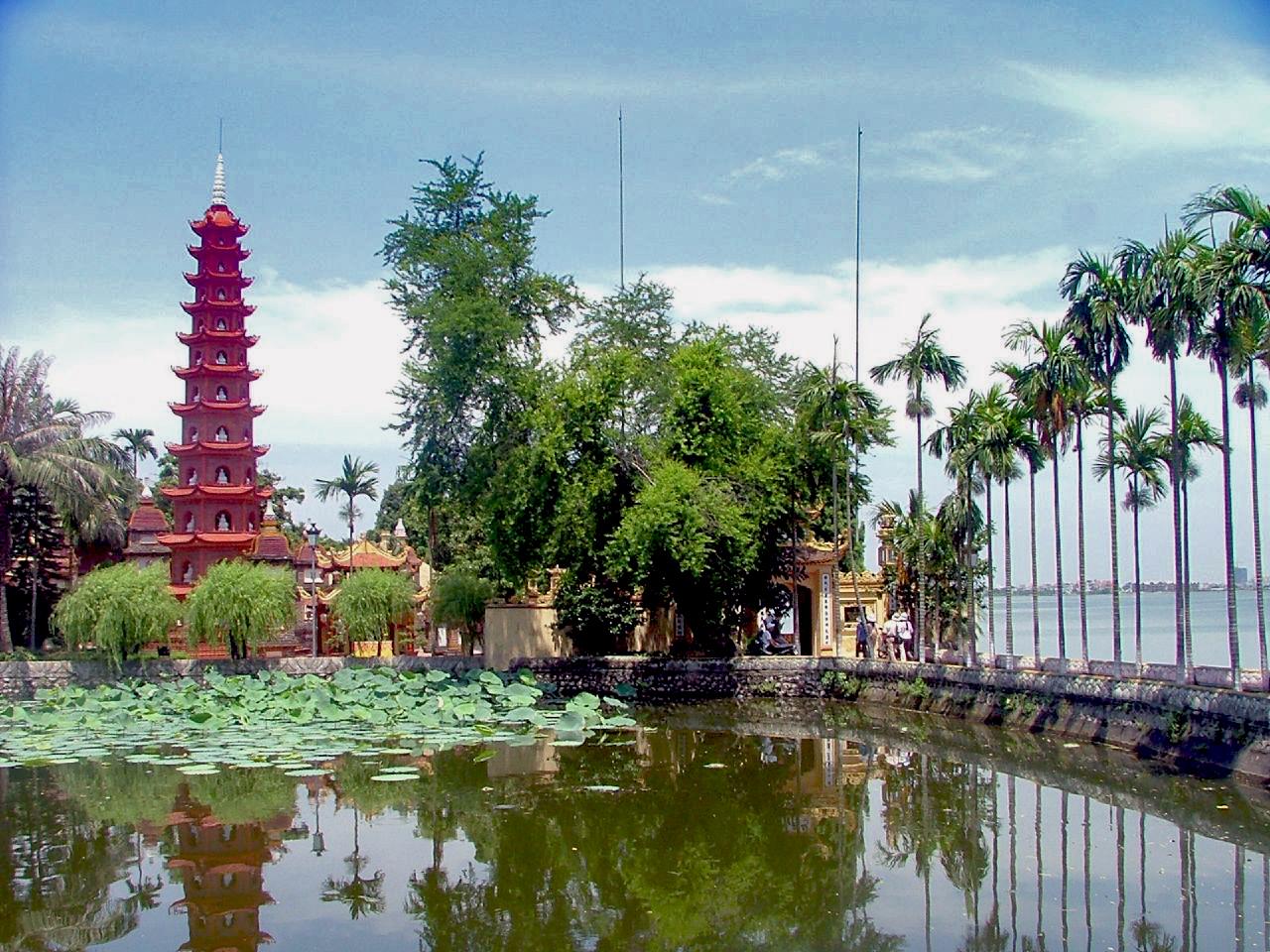 By Тханг Нгуен (изначально опубликованное на Flickr , как DSCF2931) [CC BY-SA 2.0], via Wikimedia Commons