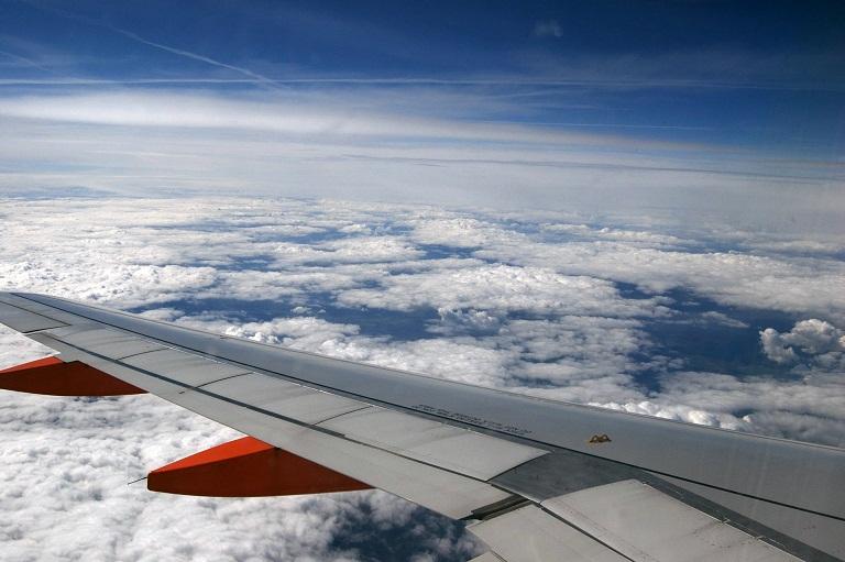 flight-714928_1920